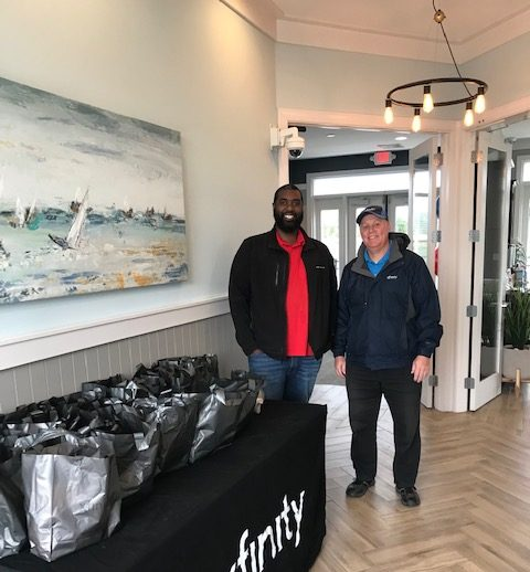 Comcast provides breakfast on the go for Mi-Place residents